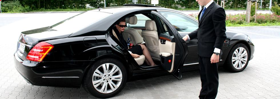Chauffeur driven Executive cars with s class cars
